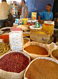 Spices piled up in the Asni souk