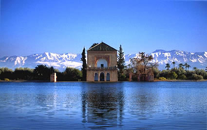 http://www.kasbahdutoubkal.com/i/marrakech_menara_large.jpg